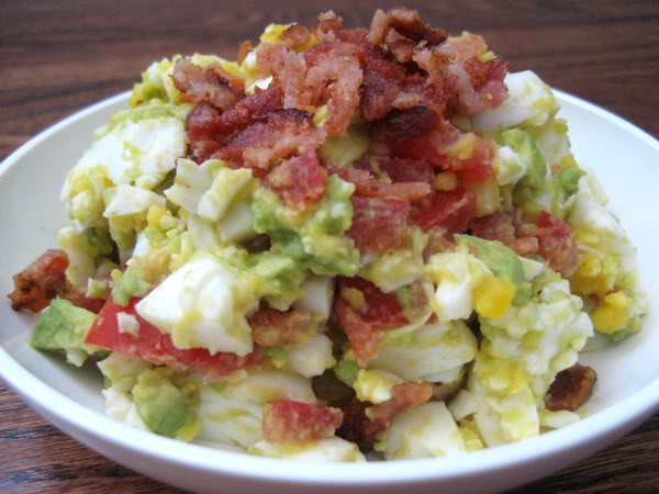 Bacon-Egg-Avocado-and-Tomato-Salad